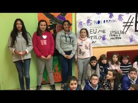 Os nenos do CEIP Virxe do Corpiño de Begonte rexeitan a violencia machista