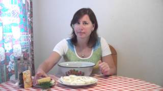 Яйца фаршированные - быстро и вкусно от Эвелины(Видео-рецепт куриных яиц, фаршированных сыром с чесноком и майонезом., 2015-10-27T11:15:19.000Z)