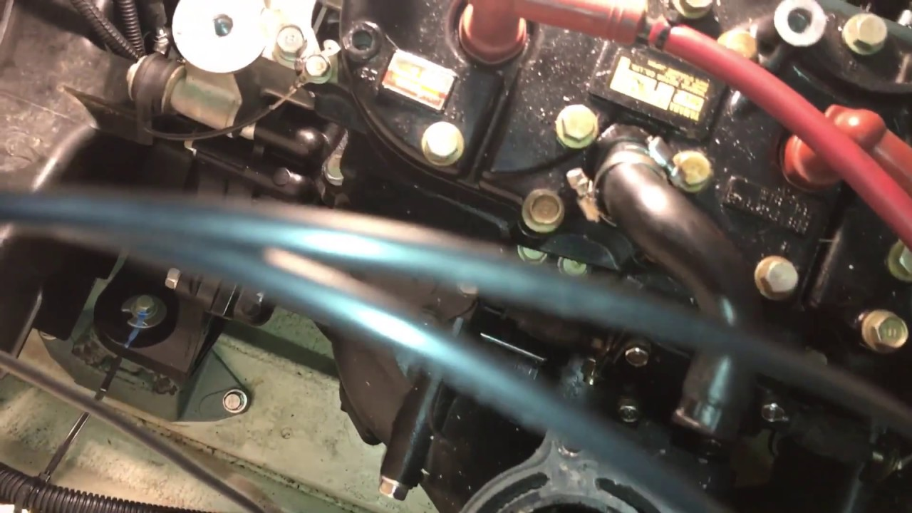 Checking oil line and remove exhaust system for Dplate installation of Yamaha Waverunner XL1200