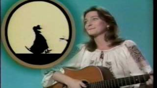"JUDY COLLINS - ""Old Lady Who Swallowed A Fly"" Muppet Show 1977"