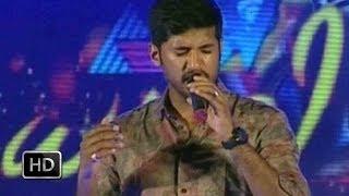 Dhwani 2014 - Vijay Yesudas sings Pramadhavanam Veendum