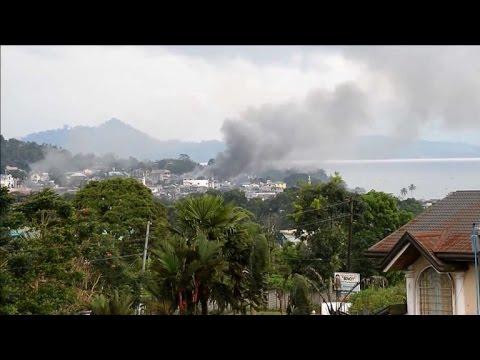 Philippine troops bomb Islamist militants in city