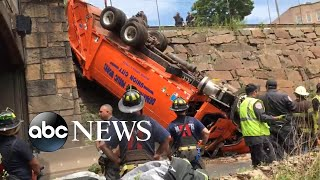 Truck accident leaves July 4th traffic at standstill in New York City