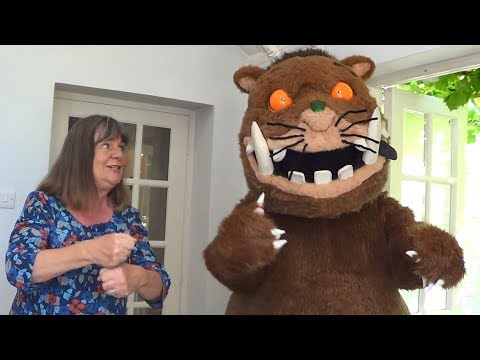The Gruffalo Song in Makaton
