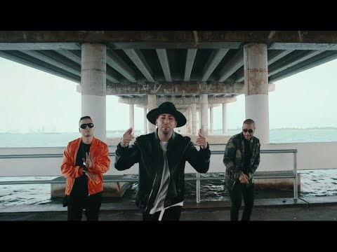 CHACAL Y LA SRTA. DAYANA ► EL MENTIROSO (OFFICIAL VIDEO) from YouTube · Duration:  4 minutes 5 seconds