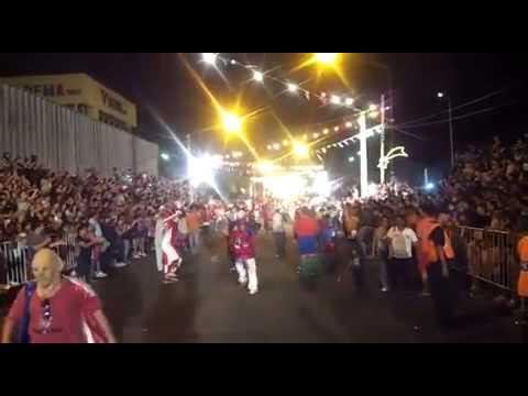 Los reyes de la matanza una noche loca youtube for Divan una noche loca