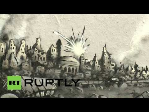 Germany: Putin painted as peacemaker in anti-war mural