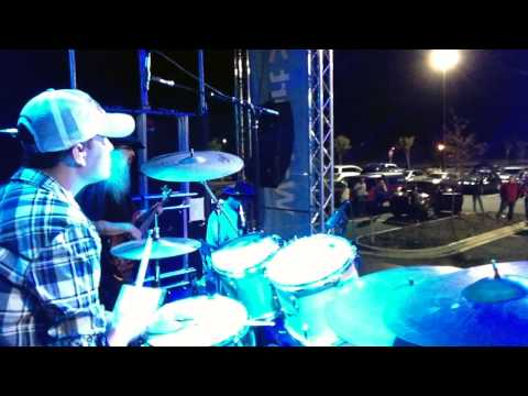 I Let Her Lie - Daryle Singletary live (Derrick McCullough DrumCam)