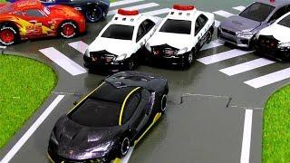 トミカ トミカタウン つながる道路 パトカー はたらくくるま レース【Tomica】カーズ ドリフト thumbnail