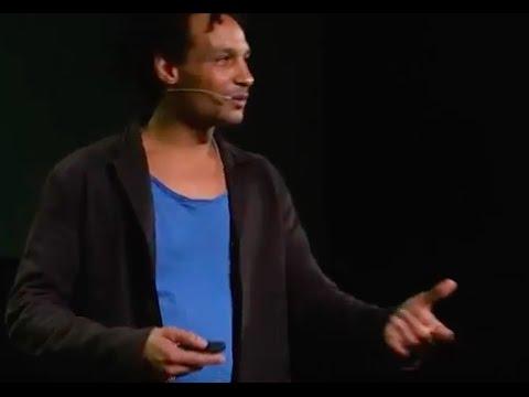Le pouvoir de la musique aux 4 coins du monde | David Walters | TEDxMinesNancy