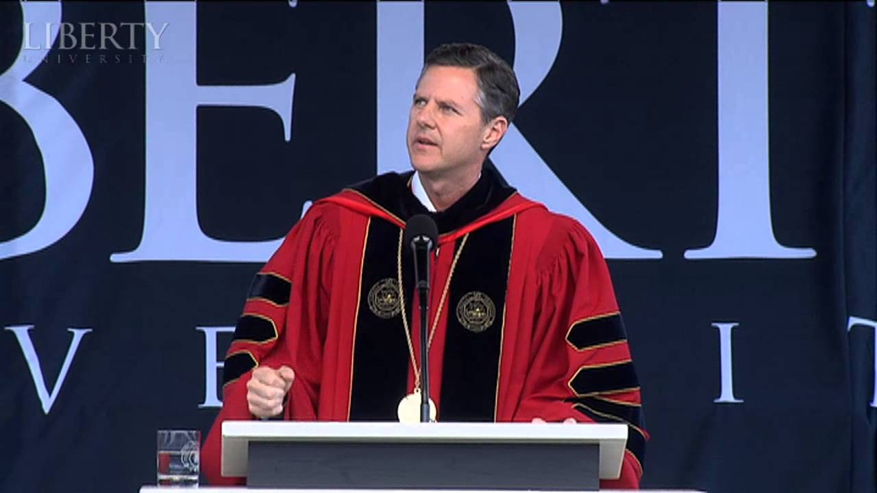 Jerry Falwell Jr. is inviting some students back to Liberty University ...