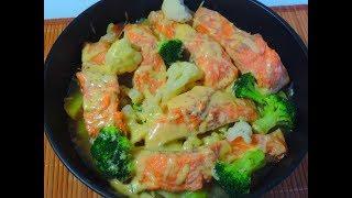 Готовлю в сковороде рыбу ФОРЕЛЬ с овощами.  Это очень вкусно.