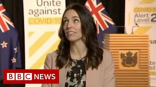 New Zealand's PM stays calm during an earthquake on live TV - BBC News