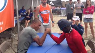 Ashton Eaton and Lopez Lomong Arm Wrestle for Clean Water | Hood To Coast 2014 Team World Vision