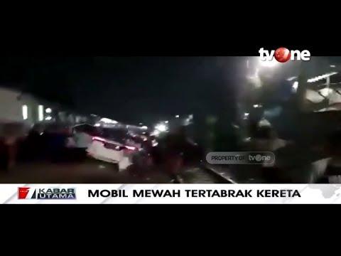 Heboh! Mobil Mewah Tertabrak Kereta Dan Terseret Hingga 50 Meter