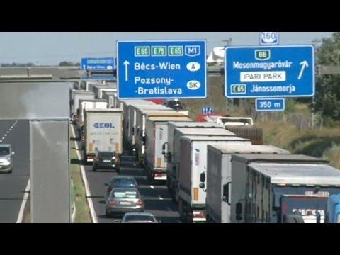 Avusturya - Macaristan sınırında trafik...