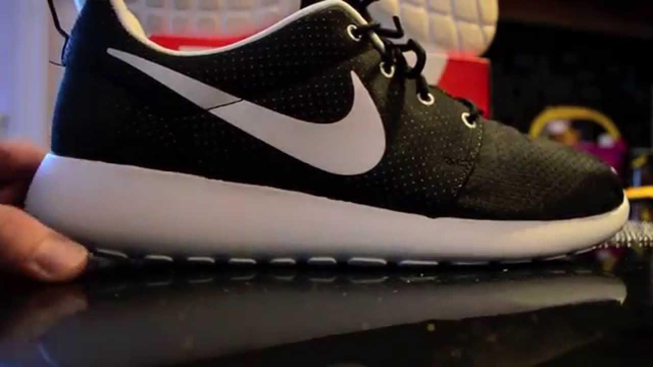 c75b02c766386e Nike Roshe Run Black White Quick Review + On Feet - YouTube