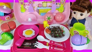 Food car and kitchen cooking baby doll play story - ToyMong TV 토이몽