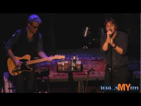 "Matchbox Twenty- ""If You're Gone"" Live At The Whiskey A Go Go With 1043MYfm"
