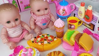 Baby doll and food cutting pizza Hamburger and refrigerator kitchen toys play - 토이몽