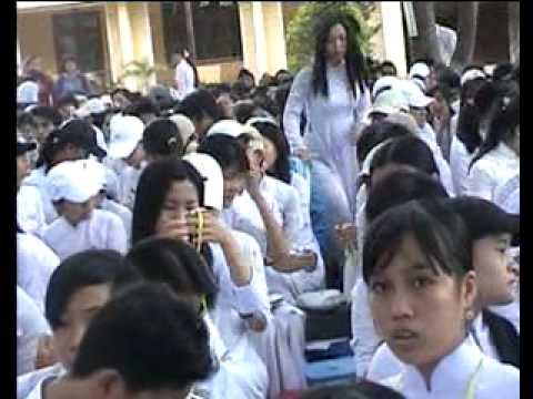Lễ ra trường khóa 02-05 (Hoang Hoa Tham- Da Nang)