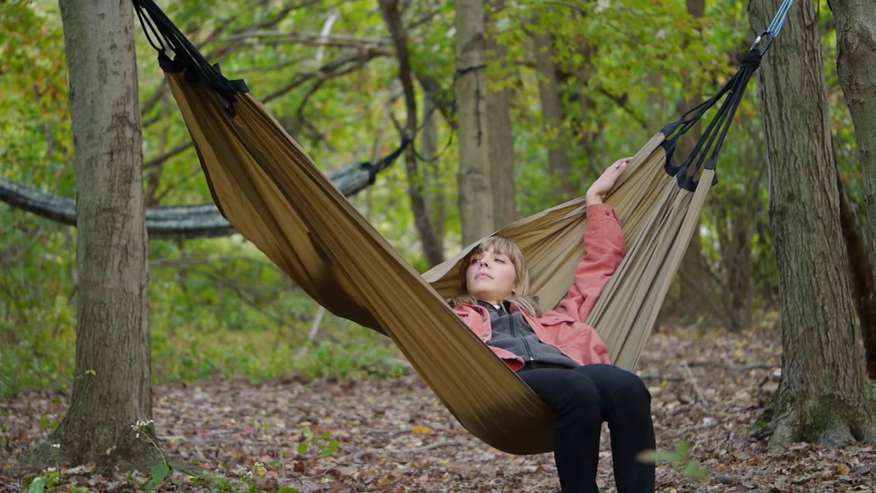 behold bungee hammocks simplicity behold bungee hammocks simplicity   youtube  rh   youtube