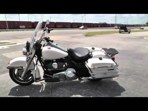 Harley Road King Special >> 633854 2011 Harley Davidson Road King Police FLHRP - YouTube