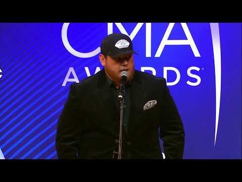 Luke Combs Backstage At The 2018 CMA Awards
