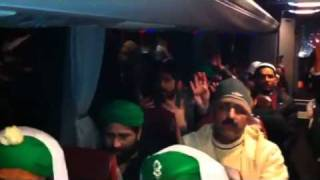 Naat in Bus