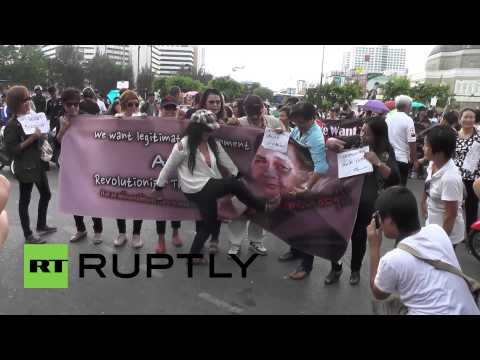 Thailand: Anti-coup protesters amass at Bangkok's Victory Monument