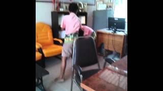 คลิปนักเรียนตีกันห้องพักครู*555*(