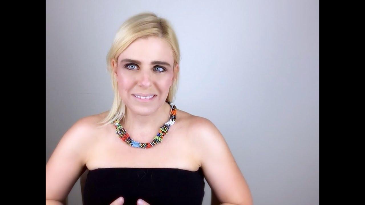 Kurvet Blondine Ved Lige Hvordan Man Skal Håndtere En Pik - Nudie