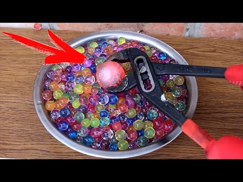 Thumbnail: EXPERIMENT Glowing 700 degree metal ball VS BALLS ORBIZ