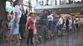 Аэропорту Внуково исполнилось 74 года(В день своего рождения аэропорт преподнес неожиданный сюрприз - Внуково поздравил своих пассажиров потряс..., 2015-07-07T08:12:24.000Z)