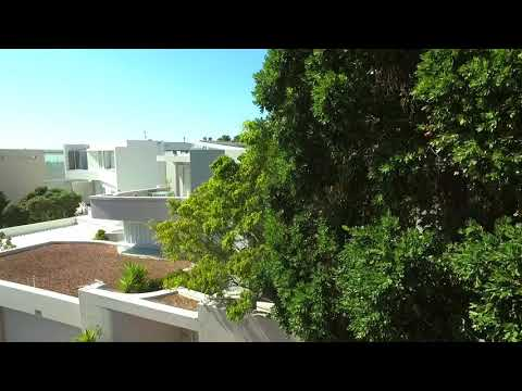 2 Bedroom Lions View Penthouse Apartment in Camps Bay (2018)