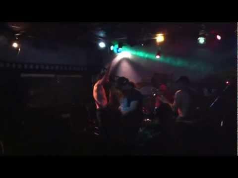 ANTIDRASH -- ΧΟΙΡΙΝΟ  ΚΡΕΑΣ   /  KANEIS GIA MENA --LIVE