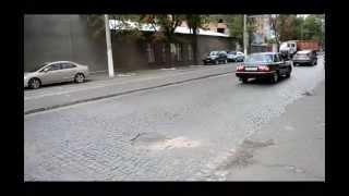 В Одессе Французский бульвар после реконструкции покрылся ямами