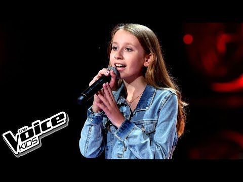 "Wiktoria Guzek – ""2 Bajki"" – Blind Audition – The Voice Kids Poland"