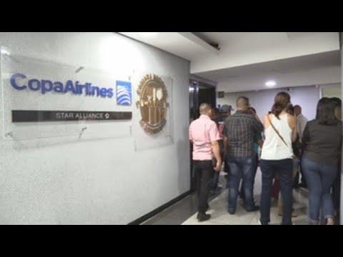 Venezolanos protestan por suspensión de viajes de Copa Airlines