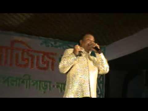 MD AZIZ SAHAB SINGING LIVE MITWA BHUL NA JANA  WITH SURSANGAM MUSICAL TROUP..