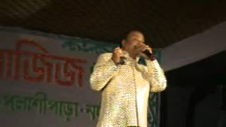 MD AZIZ SAHAB SINGING LIVE MITWA BHUL NA JANA WITH SURSANGAM MUSICAL TROUP..