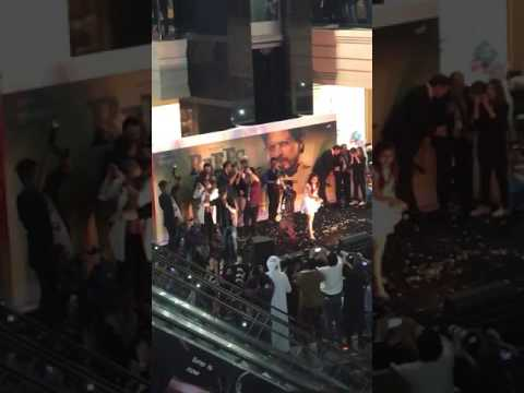 shahrukh khan in Arabian center Dubai