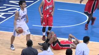 The James Yap-Calvin Abueva matchup gets heated