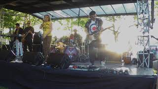 SundayGirl (Blondie Tribute) - The Tide Is High - live @ Astoria Park