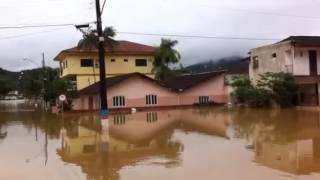 Ruas permanecem alagadas em Guaramirim