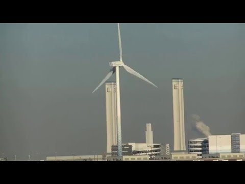 Port of Yokohama Japan - Wind turbine  - Wind Energy 2/2