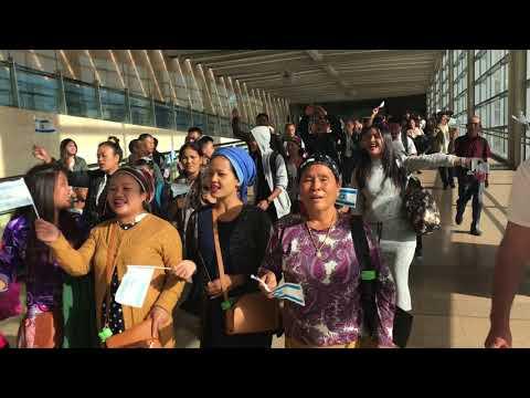 Bnei Menashe sing 'V'shavu Banim' upon arrival in Israel