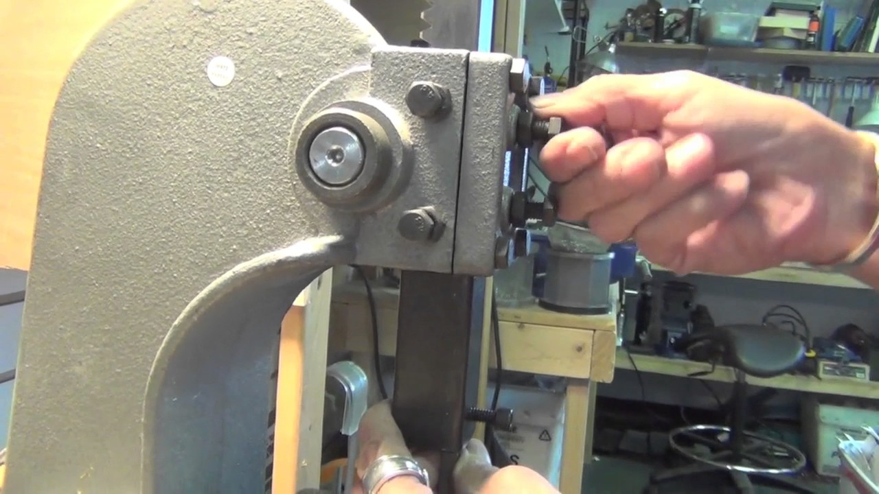 Metal stamping tool for the arbor press doovi for Metal stamping press for jewelry