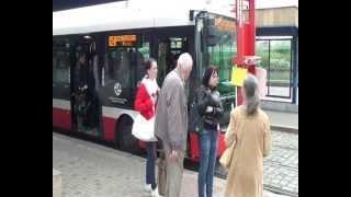 Povodně 2013 - Praha: Náhradní doprava za metro