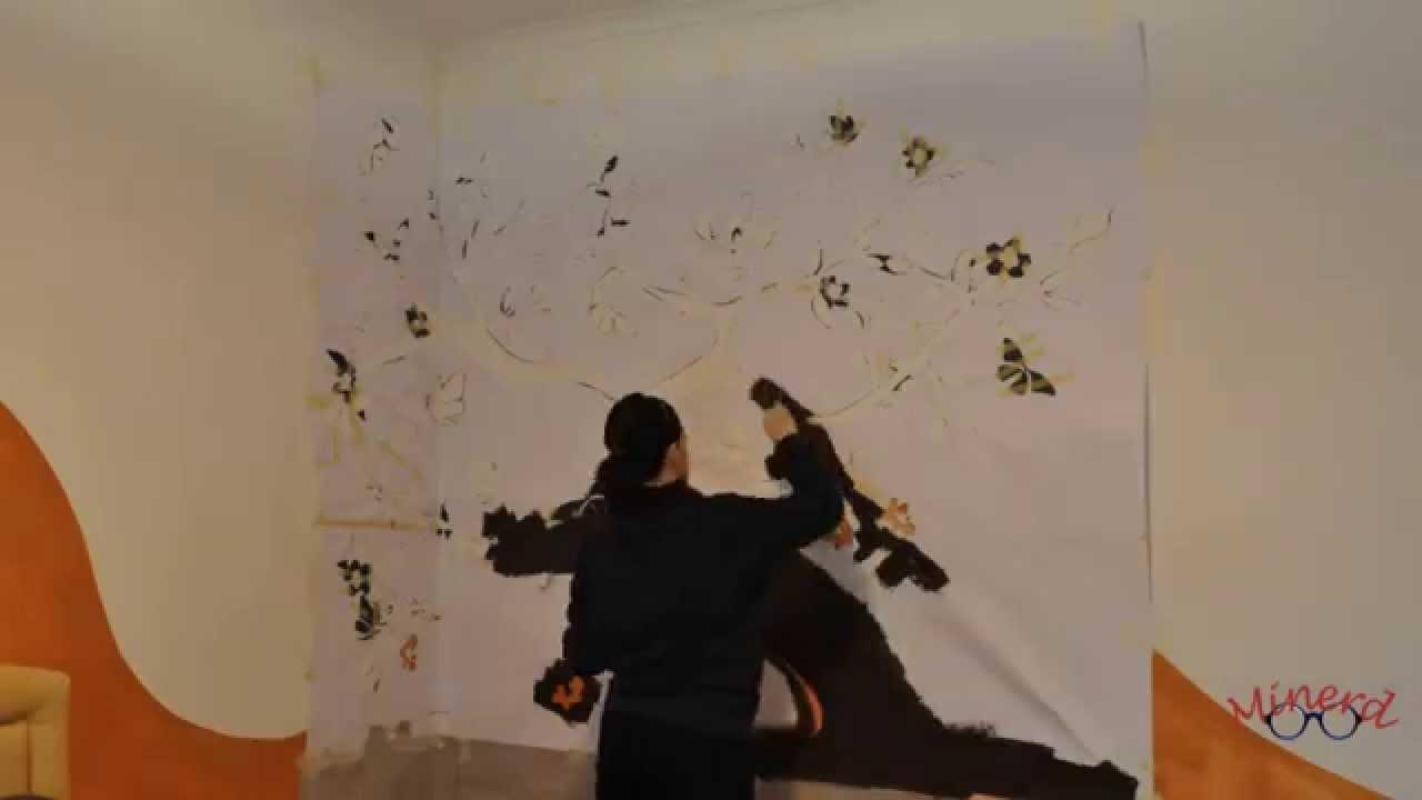 Pennelli colori e uno stencil gigante ecco come for Stencil per pareti